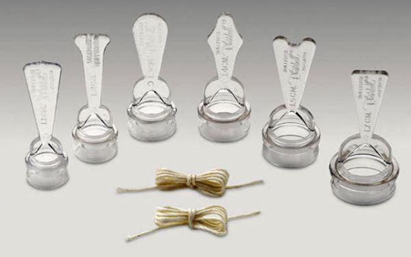 Пластиковые зажимы, использующиеся при оперировании фимоза