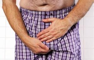 Возможное последствие варикоцеле — постоянные боли в мошонке