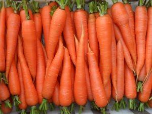Морковь очень полезна для мужчин за 40. Употреблять ее можно в больших количествах