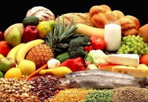 Главное — придерживаться здорового питания и не позволять себе объедаться после 50