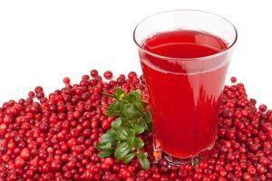 Сок клюквы — хорошее средство для смазывания кожи при фтириазе