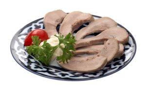 Отварное мясо усваивается организмо мужчины в возрасте лучше, чем обработанное иными способами