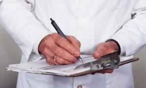 При малейших подозрениях на рак полового члена нужно немедленно обращаться к врачу-терапевту, андрологу, или урологу.