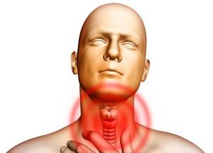Один из первых признаков рака гортани - чувство кома в горле