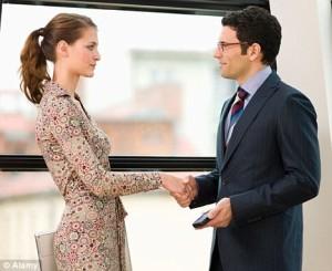 Как познакомиться с девушкой на работе