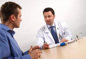 Консультация у врача перед лечением фимоза